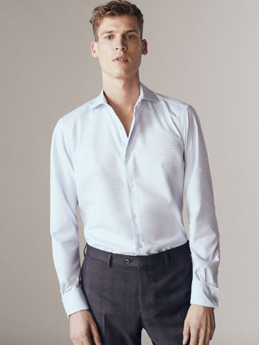 TAILORED FIT EASY IRON OXFORD SHIRT WITH A MICRO TEXTURED WEAVE