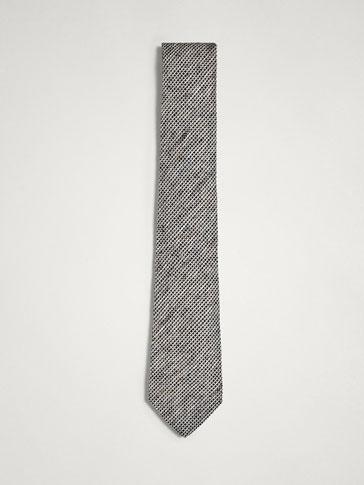 ربطة عنق رسم دقيق