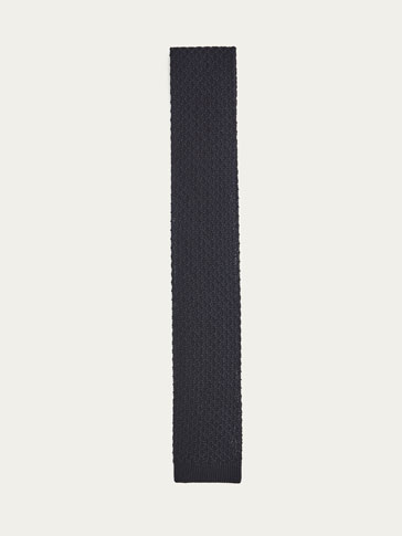 SOLID KNIT TIE