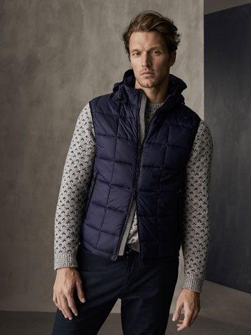 WINTER CAPSULE QUILTED GILET WITH CONTRAST SEAMS