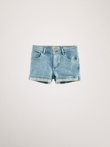 DENIM SHORTS WITH PEARL BEADS