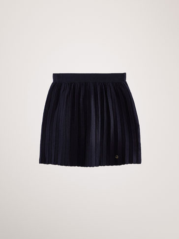 PLEATED CHUNKY KNIT SKIRT