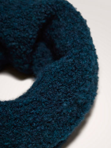BOUCLÉ TEXTURED SNOOD