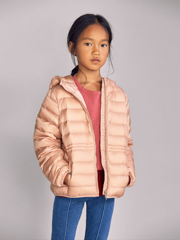 DOWN PUFFER JACKET WITH BAG DETAIL