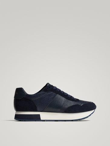 حذاء رياضي أزرق