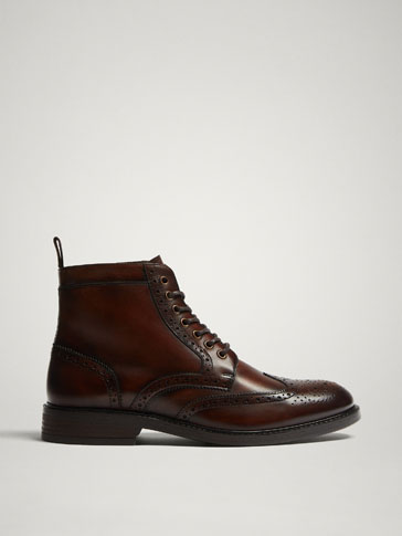 LEATHER ANKLE BOOTS WITH BROGUING