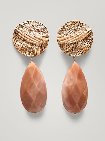 EARRINGS WITH TEXTURED DETAIL