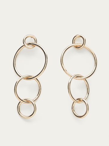 EARRINGS WITH MULTIPLE HOOPS DETAIL