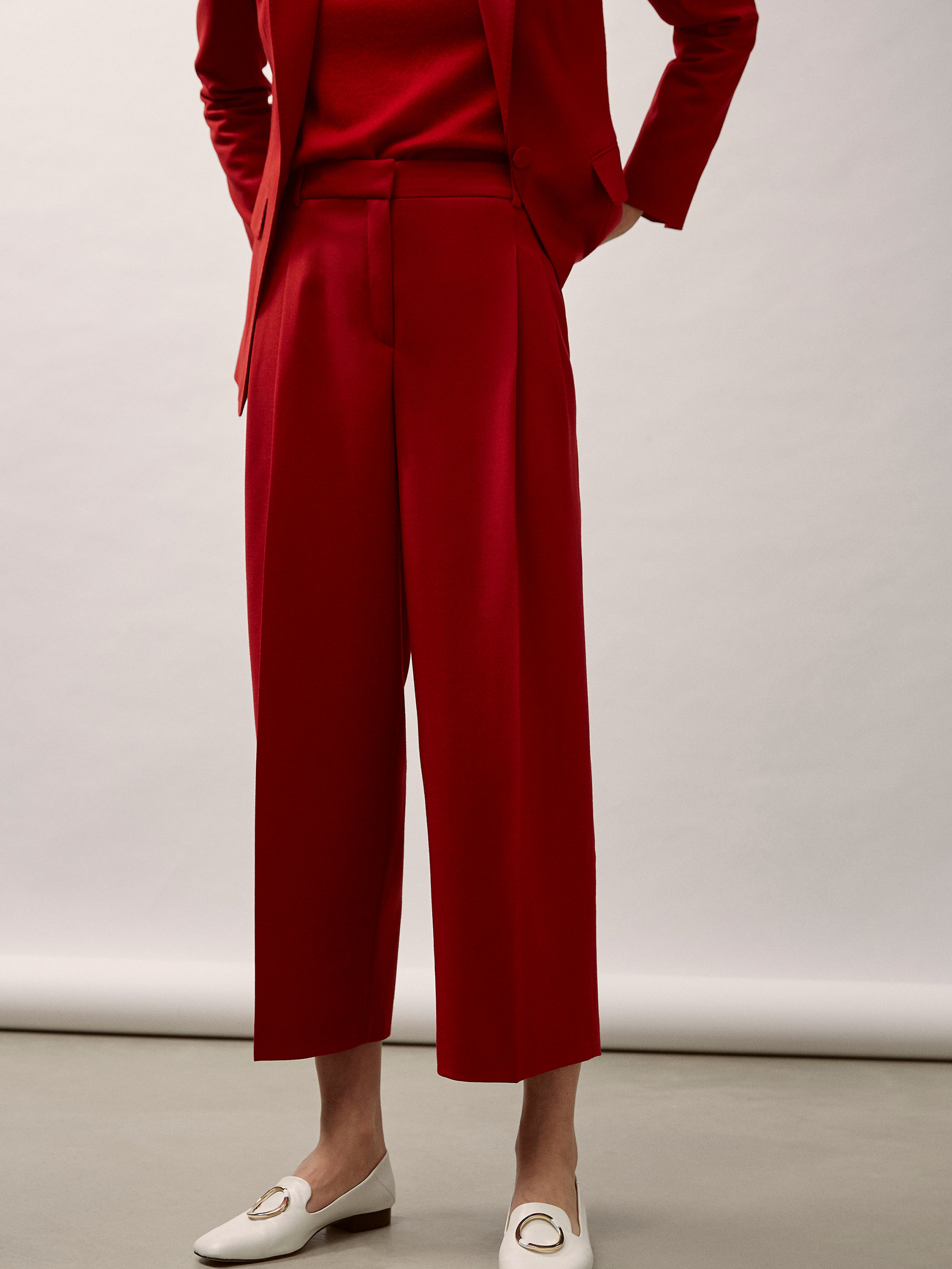 3b487986a66 Massimo Dutti - CROPPED FIT RED WOOL SUIT TROUSERS WITH DARTS DETAIL - 2