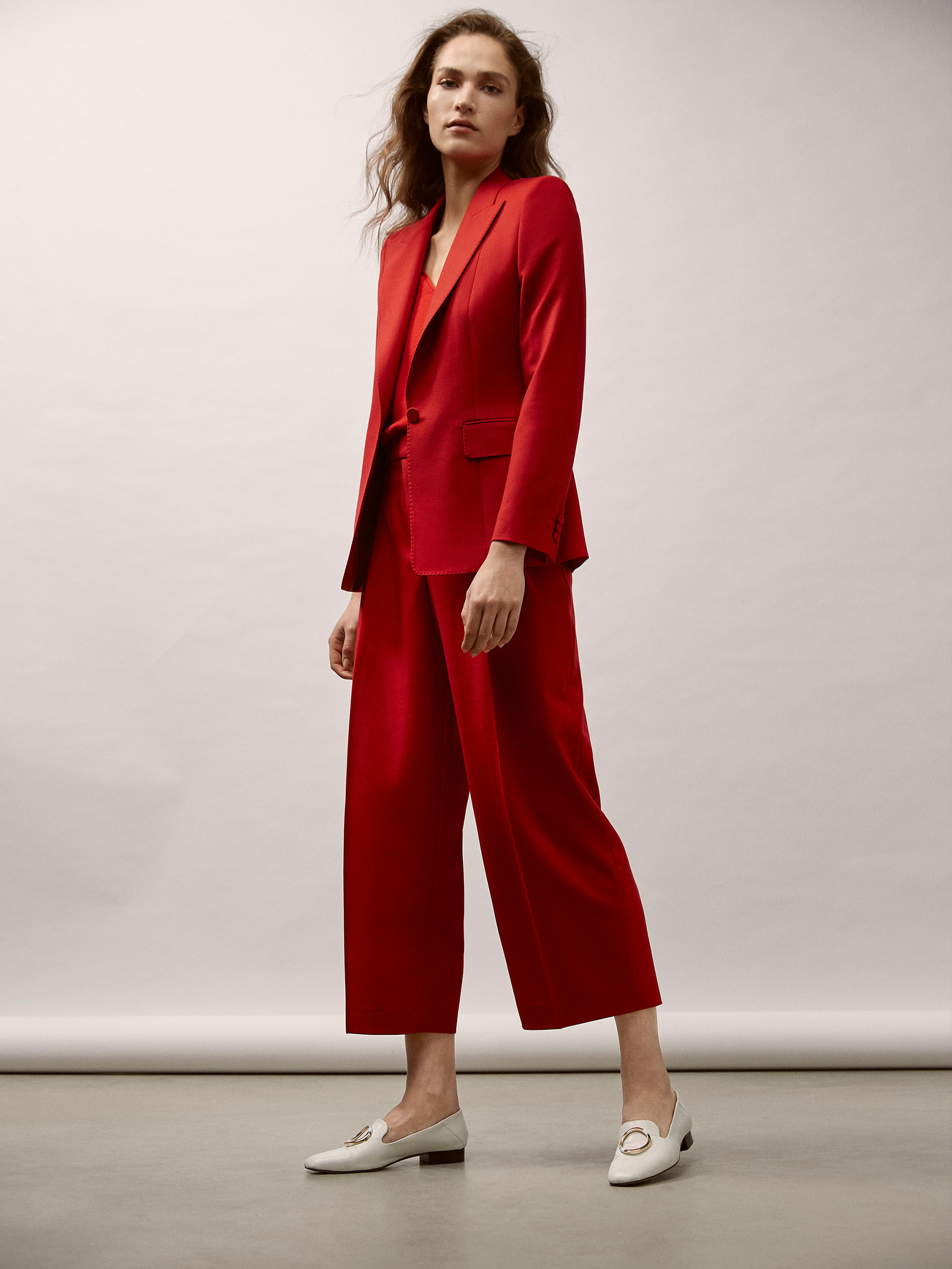 6bb5fda8bdd Massimo Dutti - CROPPED FIT RED WOOL SUIT TROUSERS WITH DARTS DETAIL - 4