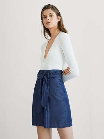 LYOCELL BERMUDA SHORTS WITH DART DETAILS