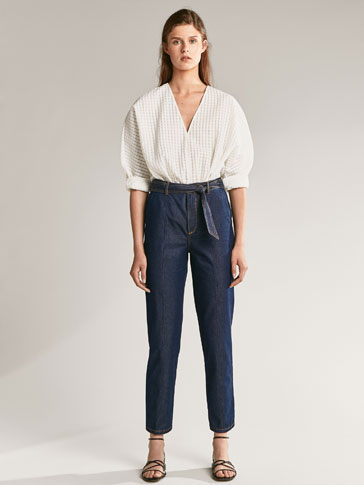 PANTALON DENIM STYLE CHINO DÉTAIL NŒUD