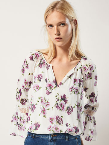 FLORAL PRINT BLOUSE WITH LACE TRIM DETAIL