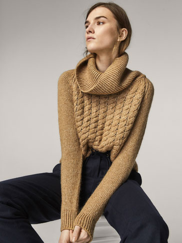 SWEATER WITH CABLE-KNIT FRONT