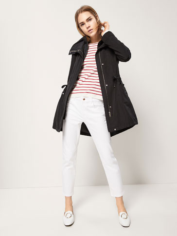 PARKA WITH REMOVABLE LINING DETAIL