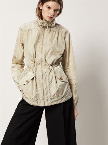 TECHNICAL PARKA WITH POCKET DETAILS
