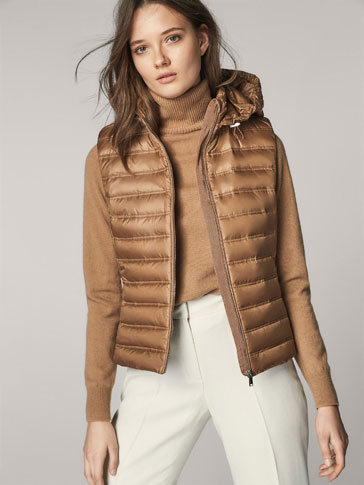 DOWN PUFFER GILET WITH GROSGRAIN DETAIL