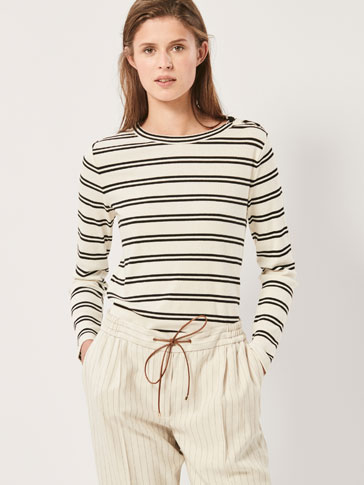RIBBED STRIPED T-SHIRT WITH BUTTONHOLE DETAIL