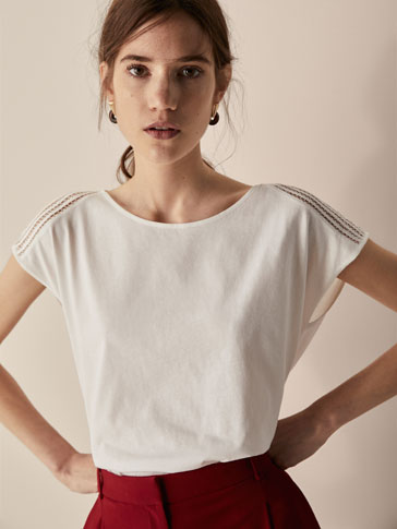 T-SHIRT WITH LACE TRIM DETAIL