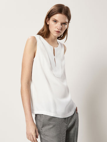 CONTRAST T-SHIRT WITH SLITS DETAIL