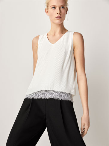 PLEATED TOP WITH LACE HEM