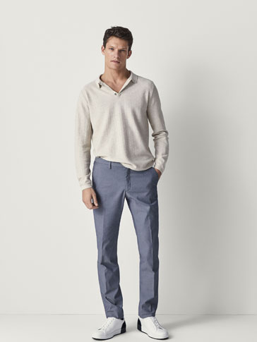 PANTALON CHINO MICRO-TEXTURE CASUAL FIT