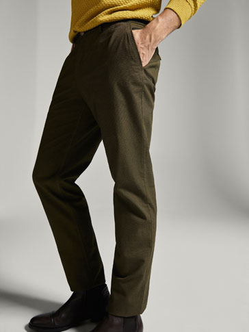 PANTALON CHINO TEXTURE GAUFRÉE CASUAL FIT