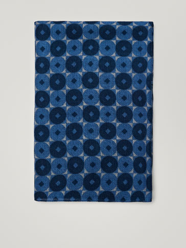 WOOL/SILK SCARF WITH GEOMETRIC PRINT