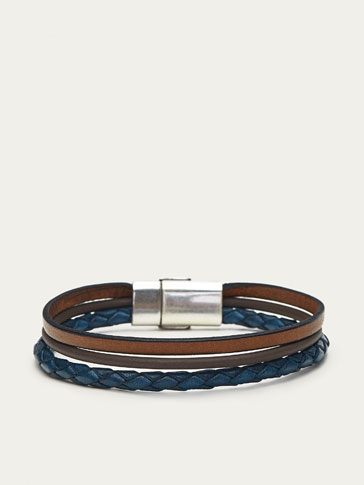 TRIPLE STRAND LEATHER BRACELET WITH BLUE DETAIL