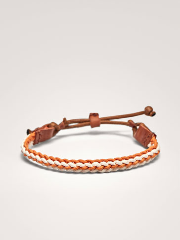 CONTRASTING ORANGE AND WHITE LEATHER BRACELET