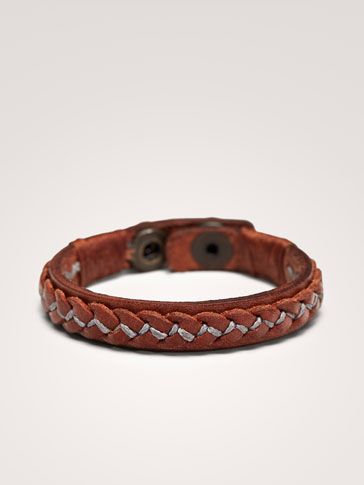 CONTRASTING LEATHER BRACELET WITH SNAP BUTTON DETAIL