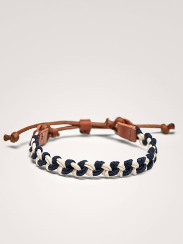 CONTRASTING TWO-TONE LEATHER BRACELET