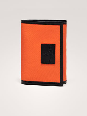 حقيبة جلدية ممزوجة الألوان