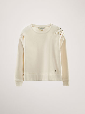 SWEATSHIRT WITH U-SHAPED METAL RINGS