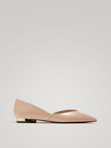 NUDE LEATHER BALLERINAS