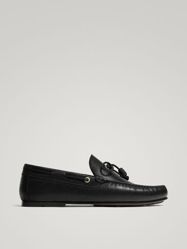 BLACK EMBOSSED LEATHER MOCCASINS