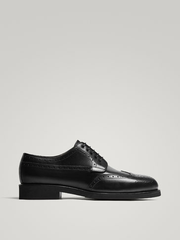 BLACK DIE-CUT LEATHER SMART SHOES