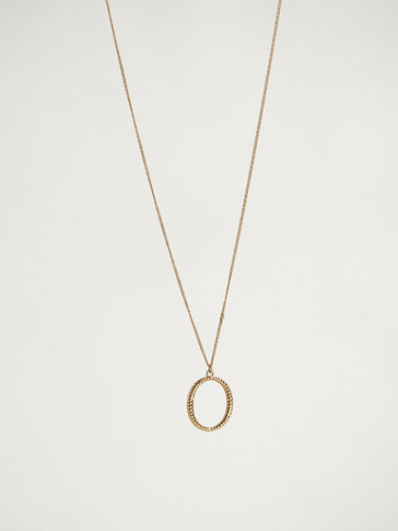 ONLINE EXCLUSIVE LETTER O NECKLACE