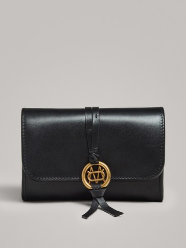 BLACK NAPPA PURSE WITH METAL APPLIQUÉ