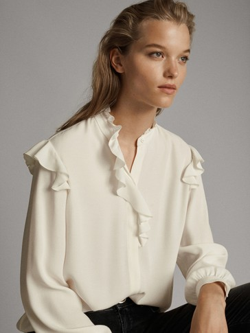 BLOUSE WITH RUFFLE DETAIL
