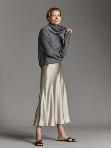 FLOWING SATINY SKIRT