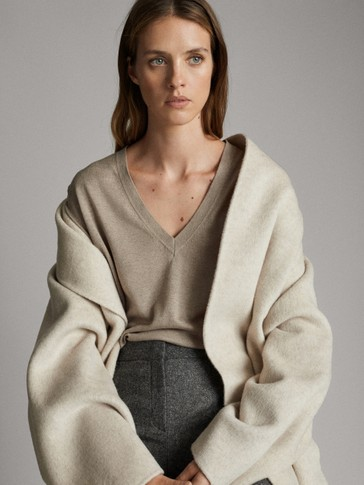 WOOL SILK V-NECK SWEATER