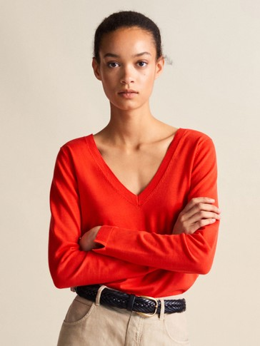 100% COTTON V-NECK SWEATER