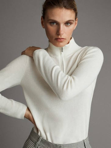 APRÈS SKI WOOL TURTLE NECK SWEATER
