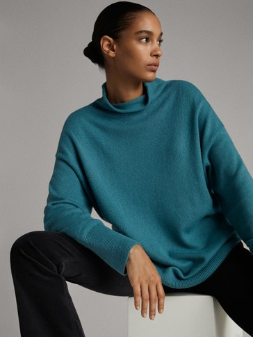FUNNEL COLLAR SWEATER