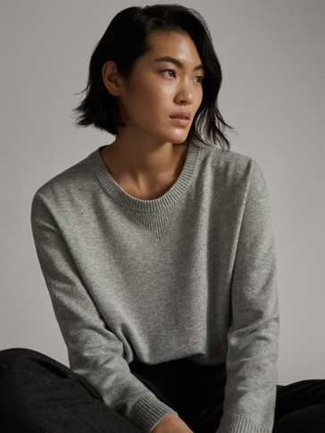 GREY STRAIGHT FIT SWEATER