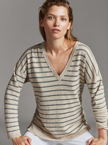 STRIPED V NECK SWEATER