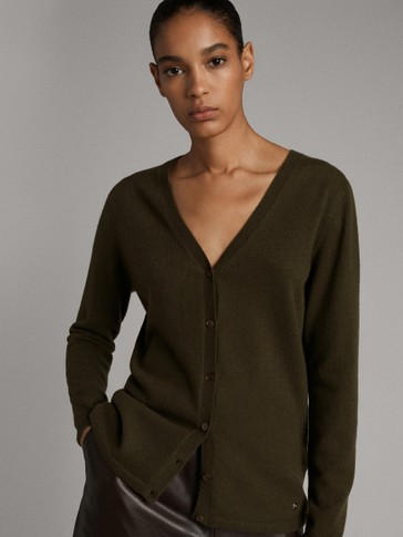 100% CASHMERE BUTTON-UP CARDIGAN