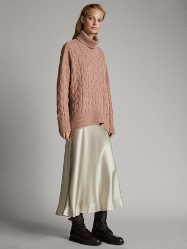 CABLE-KNIT WOOL AND CASHMERE CAPE SWEATER