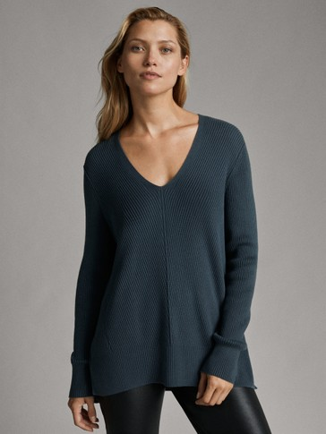 DIAGONAL RIB CAPE SWEATER